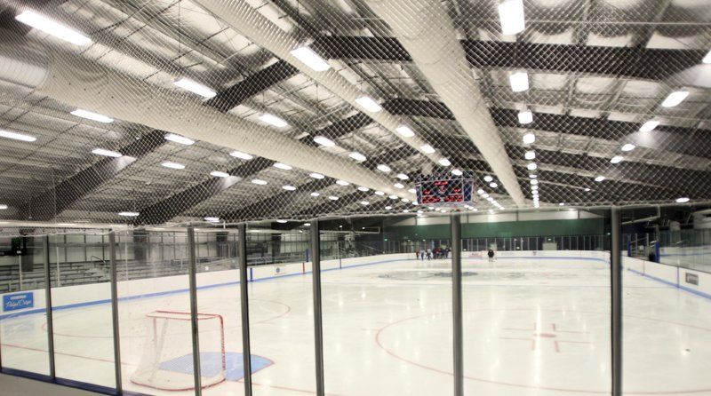 polycarbonate ice rink barrier provides high optical clarity